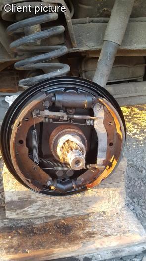 volkswagen vanagont rear brake backing plate left number